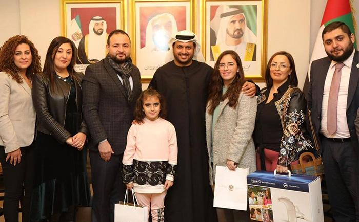 سفير الإمارات في لبنان يستقبل وفد من جمعية بنين يرافقه عائلة الطفلتين في بعبدا حيث أكد سعادته على دعم أعمال الجمعية الخيرية.