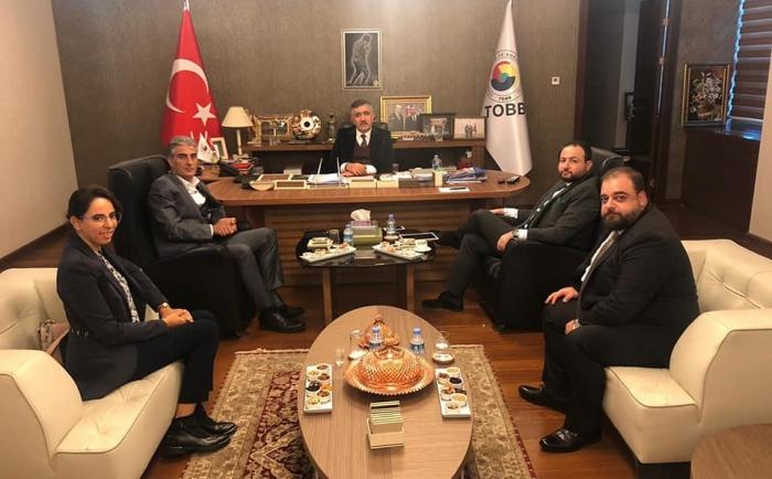 أنقرا - تركيا  رئيس جمعية بنين يلتقي ERDOGAN OZEGEN مدير عام اتحاد الغرف و التبادلات السلعية في  تركيا (TOBB) و نائب في البرلمان التركي