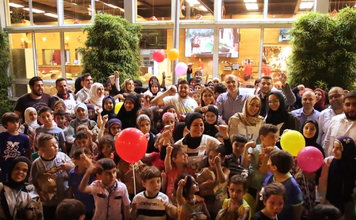 An Iftar was held for children and orphans of Banin Charity Association in the south by an invitation from The Emperor restaurant - Sarafand organized