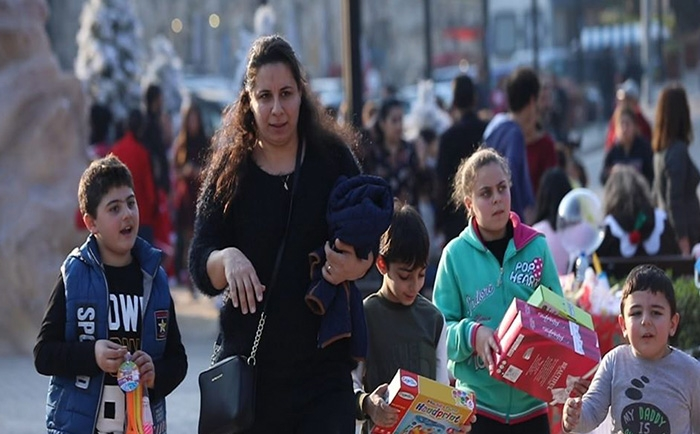 Banin celebrates Christmas in several Lebanese regions, and the Commune of Eid distributed more than 3000 gifts for children. children Translations of