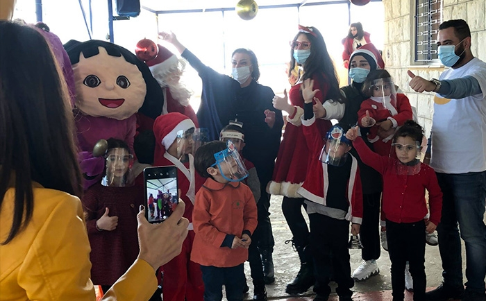 Our children's smile is the only hope left, the holiday truck distributed more than 6000 gift